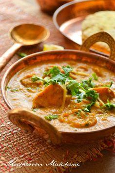 Mushroom Makhani - Cashew nuts- 8 to 10 nos Cumin seeds- tsp Onion-sliced- cup Ginger-finely chopped- 1 tsp Garlic-finely chopped- 1 tsp Kashmiri chili powder- 1 to tsp Turmeric powder- tsp Coriander powder- 1 tsp Garam masala- tsp To Veg Recipes, Mushroom Recipes, Indian Food Recipes, Vegetarian Recipes, Cooking Recipes, Vegetarian Curry, Vegan Curry, Shake Recipes, Easy Recipes