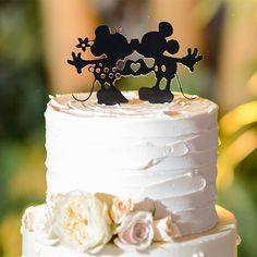 Wedding Cake Wednesday: Minnie & Mickey KissesEver After Blog | Disney Fairy Tale Weddings and Honeymoon