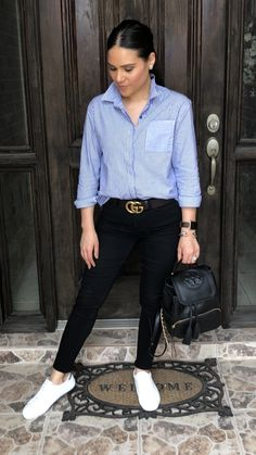 Spring Texas outfit chic mommy style fashion running errands blue and white stri… – Tennis Shoe Outfit White Tennis Shoes, Tennis Shoes Outfit, Tennis Clothes, Tennisschuhe Outfit, Backpack Outfit, Outfit Work, Outfit Jeans, Outfits Con Camisa, Outfits Mujer