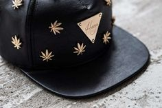 Follow @stoner_club Good weed Good Week #hazeandgaze  cannabis accessories