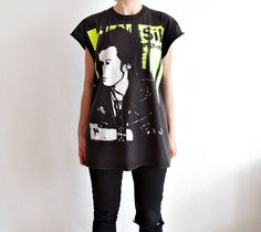 30% OFF - SID VICIOUS 1957 - 1979 Punk Rock T-shirt. Sex Pistols Oversized Wear. Boyfriend Cut Off Tshirt by Only1Copy on Etsy
