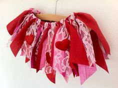 Adorable DIY scrap fabric Valentine's Day tutu! Great craft & gift idea! Adorable Valentine skirt! Dress up idea for a little girl.♥