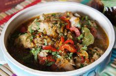 Chakhokhbili – este o mâncare tradițională georgiană și reprezintă de fapt un delicios ragu de carne de pasăre. În trecut, acest ragu se gătea exclusiv din carne de fazan. Acum însă, se găsește în mai multe variante, printre care cea mai răspândită fiindcea cu carne de pui. Astăzi o sa vă încântăm papilele gustative cu … Georgian Cuisine, Georgian Food, Chicken Penne, Ratatouille, Carne, Chicken Recipes, Food And Drink, Beef, Ethnic Recipes