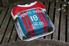 TORTEN LUST: {Rezept} Bayern München Trikot Torte :)