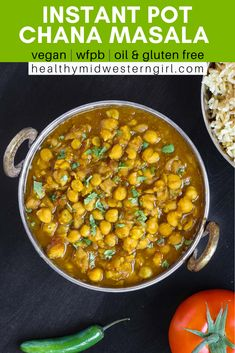 A simple, budget-friendly chickpea curry (chana masala) in a warming tomato-onion gravy. Just 8 ingredients and 10 minutes of active cooking time! Vegan Chickpea Curry, Vegan Stew, Vegan Soups, Vegan Chili, Curry Recipes, Vegan Recipes, Fall Recipes, Chickpea Recipes, Cooking Recipes