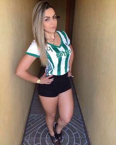 As #palestrinaoficial são as mais lindas 💚 #palmeiras #obsessão #familiapalmeiras Football Cheerleaders, Football Girls, Soccer Fans, Fans Sports, Sexy Women, Sporty Girls, Golf Outfit, Sports Women, Beautiful Women