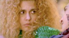 Gina assume que gostou de ser beijada | Folhetim - Debora Maria I Yahoo TV. ´´É Gina vai virar sinderela  depois do beijo de Ferdinando´ ´ capitulo  dia 26´´ . Você acredita que este romance vai vingar. SIM OU NÃO