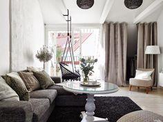 Bel intérieur d'une maison confortable décorée avec charme 1