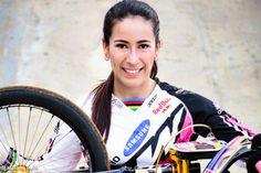 Mariana Pajón dice que la fama no la ha 'agrandado'. La bicicrosista confesó lo que le falta para sentirse completamente feliz. http://www.kienyke.com/deportes/mariana-pajon-dice-que-la-fama-no-la-ha-agrandado/