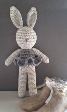 Free crochet pattern for bunny by Little Things (in Dutch)