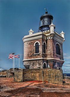 Este faro está en la Fortaleza Morro  Viejo San Juan. Puerto Rico.