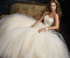 Larenzo Wedding Gown and Antique Sofa
