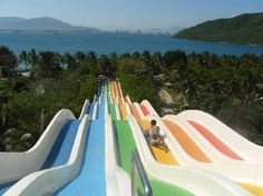 Nha Trang Tourist: Water slide at Vinpearl resort...DOWN