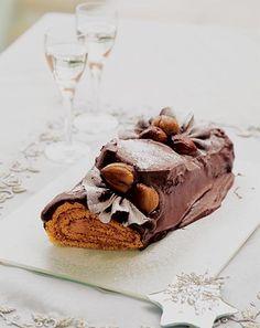Tronchetto di Natale al cioccolato e castagne