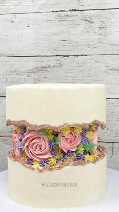 Gâteau Floral Fault Line Cake Decorating Frosting, Cake Decorating Designs, Creative Cake Decorating, Cake Decorating Techniques, Cake Decorating Tutorials, Creative Cakes, Easy Cake Designs, Buttercream Cake Designs, Fondant Cake Designs