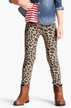 Safari prints for kids: Giraffe print leggings at H + M