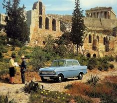 Acropolis, accesible by car? 1964 calendar, Opel Kadet A Well, only if it is an Opel apparently. And still this lady can't read a map. She has to ask a local for direction to the Acropolis. Greece Pictures, Old Pictures, Old Photos, Vintage Pictures, Summer Time Blues, Summer Sun, Greece Holiday, Photography Articles, Nissan Gt