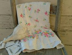 Check out this item in my Etsy shop https://www.etsy.com/listing/263565776/retro-rose-flannel-material-vintage