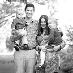 Pin for Later: Why I Force My Family to Do Yearly Photo Shoots