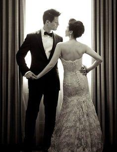 Wedding Poses Must Have Wedding Photos - Bride and Groom Wedding Pictures Marie's Wedding, Wedding Poses, Wedding Couples, Perfect Wedding, Dream Wedding, Wedding Ideas, Wedding Album, Trendy Wedding, Wedding Blog