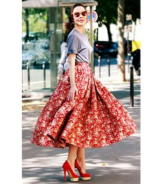 Sophia Loren, is that you?! Nothing feels more feminine (in a glam Euro kind of way) than a full skirt.