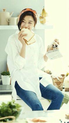 Jun Ji Hyun (Paris Baguette ad)