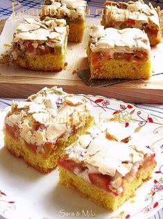 Prajitura cu rubarba si bezea (Rhubarb and Meringue Cake) Sweets Recipes, Cooking Recipes, Desserts, Meringue Cake, Hungarian Recipes, Hungarian Food, How Sweet Eats, Saveur, Cake Cookies