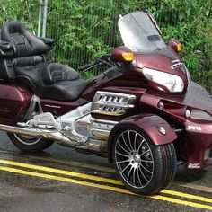 Recently built Archive - Sturgis Trike Three Wheel Motorcycles, Three Wheel Bicycle, Used Motorcycles For Sale, Cool Motorcycles, Reverse Trike, Tri Scooter, Goldwing Trike, Honda Valkyrie, Can Am Spyder