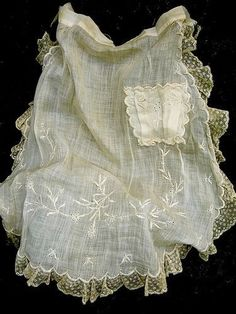 Lovely fragile vintage apron (ca.1920)