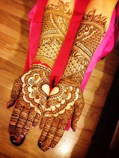 It is a Parts of asia at arms of the wonderful bride with Mehndi on her marriage ceremony.Hands and feet with Mehndi performers special Dulhan wonderful and shiny design of henna is called before the valuable marriage. All Mehndi Design, Indian Mehndi Designs, Stylish Mehndi Designs, Mehndi Design Pictures, Mehndi Designs For Hands, Tatoo Designs, Mehndi Images, Mehandi Designs, Leg Mehndi