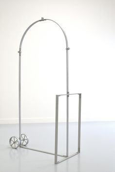 Jimmie Durham / arc de triomphe for personal use (grey), 2007