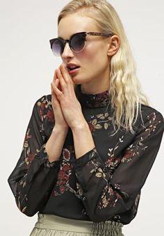 Betone deinen femininen Look mit dieser Bluse. Vero Moda VMJACQUELINE - Bluse - black für 29,95 € (16.04.16) versandkostenfrei bei Zalando bestellen.