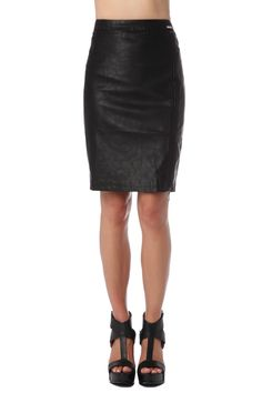 Q2 Pencil Skirt In Faux Leather With Zip Side