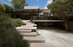 Image 1 of 44 from gallery of Casa Lomas II / Paola Calzada Arquitectos. Photograph by Jaime Navarro Soto Residential Architecture, Amazing Architecture, Contemporary Architecture, Landscape Architecture, Architecture Design, Landscape Stairs, House Landscape, Landscape Design, Exterior Tradicional
