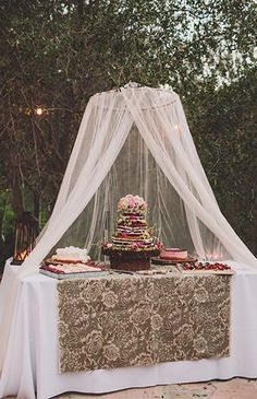 Bohemian Malibu Hills Wedding - Inspired By This - Fall wedding table Fall boho wedding ideas, fall floral bohemian wedding with shabby chic and rustic style! Bohemian Party, Bohemian Wedding Decorations, Bohemian Cake, Backyard Wedding Decorations, Boho Party Ideas, Bohemian Wedding Reception, Nautical Wedding, Reception Decorations, Romantic Backyard