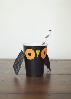 make your own little paper owl cup Halloween Decorations For Kids, Holidays Halloween, Halloween Costumes For Kids, Halloween Crafts, Halloween Party, Fairy Baby Showers, Boredom Busters For Kids, Owl Kids, Party Printables