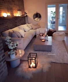 Cozy Living Room For Your Home - Living Room Design Living Room Decor Cozy, Bedroom Decor, Bedroom Furniture, Living Room Brick Wall, Cosy Cottage Living Room, Decorating Ideas For The Home Living Room, Small Living Room Designs, Cosy Home Decor, Living Room Candles