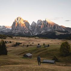 Alpe di Siusi - The Seiser Alm in Italy is the largest mountain plateau in Europe. Here you can see it with the Langkofel and Plattkofel in the last light of the day.