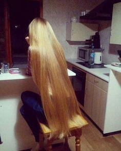 Soft hair and throatfucks Down Hairstyles, Pretty Hairstyles, Straight Hairstyles, Long Haircuts, Beautiful Blonde Hair, Rapunzel Hair, Natural Hair Styles, Long Hair Styles, Very Long Hair