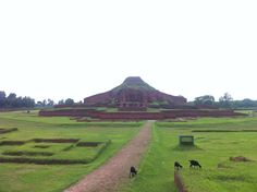 Evidence of the rise of Mahayana Buddhism in Bengal from the 7th century onwards, Somapura Mahavira, or the Great Monastery, was a renowned intellectual centre until the 12th century.
