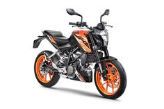 KTM has launched the much-awaited an most affordable KTM yet. The all new KTM Duke 125 is available in 3 colors options: Orange, White and Black. Ktm 125 Duke, Duke Bike, Motorcycles In India, Ktm Motorcycles, Ktm Bike Price, New Ktm, Ktm Rc, Bike Prices, Bike News