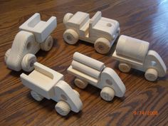 WOOD HANDCRAFTED 5 TRUCK SET NATURAL WALDORF par mikebtoys sur Etsy