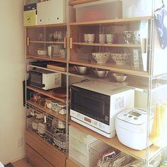 「ver.3.4...」2LDK・家族・Kazumaのインテリア実例。 Kitchen Drawers, Kitchen Shelves, Kitchen Dining, Kitchen Interior, Room Interior, Muji, Kitchen Organization, China Cabinet, Bathroom Medicine Cabinet