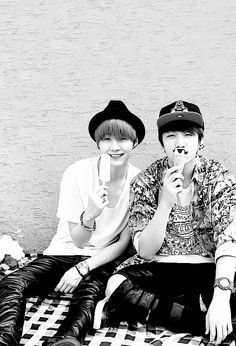 Suga Kookie with ice-creams :3