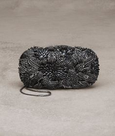 Pronovias presents Lantana, bag with gemstones Glam Rock, Bridal Accessories, Bag Accessories, Pronovias, Evening Outfits, Evening Bags, Evening Clutches, Wedding Season, Jewelery