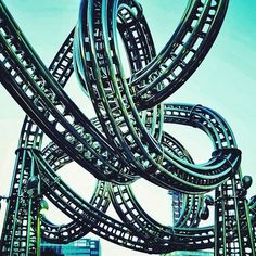Crazy+Roller+Coaster+in+Japan. Whoa! #twisted #tangled #adrenaline