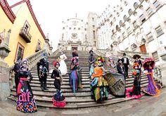 """Hermosas Tradiciones, """"Día de Muertos"""" en Mixquic, México"""