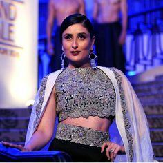 Lakhme fashion week-kreena kapoor for anamika khanna
