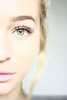 Minimal makeup look-love
