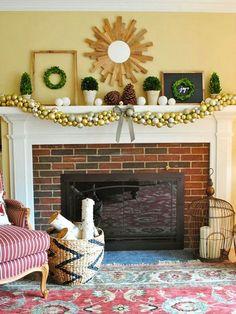 Ornament Garland Mantel Look - Pretty Christmas Mantel Ideas Christmas Wreath Image, Christmas Mantels, Christmas Holidays, Christmas Wreaths, Christmas Crafts, Christmas Decorations, Christmas Ideas, Christmas Villages, Christmas Goodies